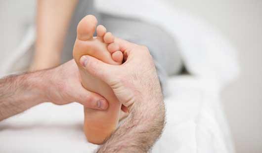 Entspannung pur mit Fußzonenreflexmassage im Wellnesshotel an der Nordsee