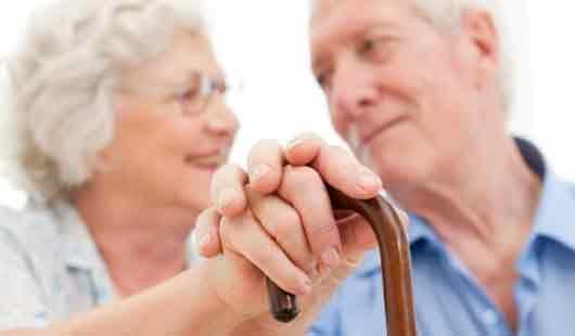 Senioren können sich mit Sicherheitstechnik vor Einbruch schützen