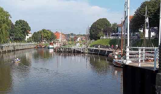 Carolinensiel hat einen alten und kleinen Hafen