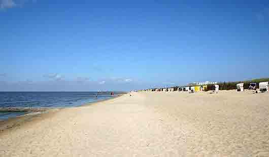 Cuxhaven - herrliches Bild mit Sonne und Strand bei Duhnen