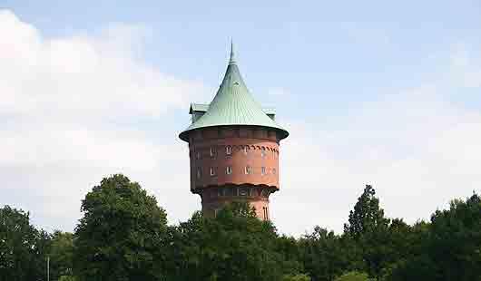 Cuxhaven - der Wasserturm ist ein Merkmal im Stadtbild