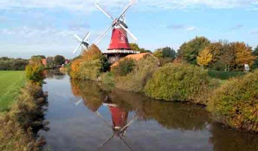 Windmühlen von Greetsiel - Foto G. Dehne