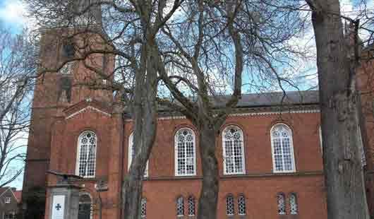 Eine Sehenswürdigkeit in Esens ist  die St. Magnus Kirche