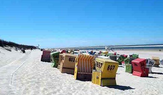 Strandkörbe auf Langeoog - Foto von G. Dehne