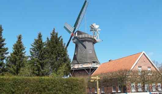 Die Mühle ist eine Sehenswürdigkeit in Esens