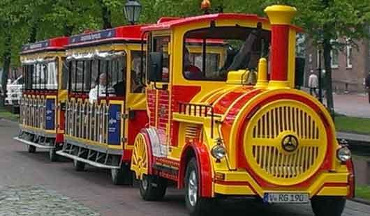 Die Bimmelbahn fährt durch Papenburg