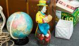 Haushalt entrümpeln und auf einem Flohmarkt Gegenstände verkaufen