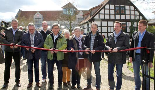 Offizielle Eröffnung des neuen Radrundweges Wolfstour am Burghof Rethem