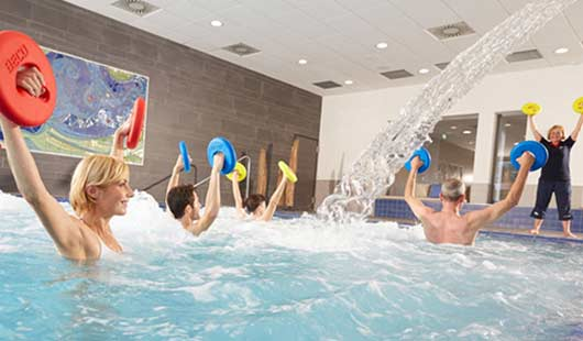 Das Thalasso-Zentrum ahoi! in Cuxhaven bietet ein umfangreiches Bewegungsangebot, auch direkt im Meerwasser