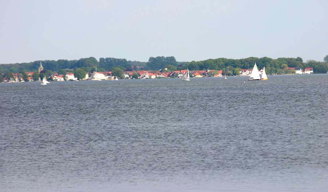 Steinhuder Meer - Steinhude vom See aus