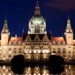 Das neue Rathaus in Hannover bei Nacht